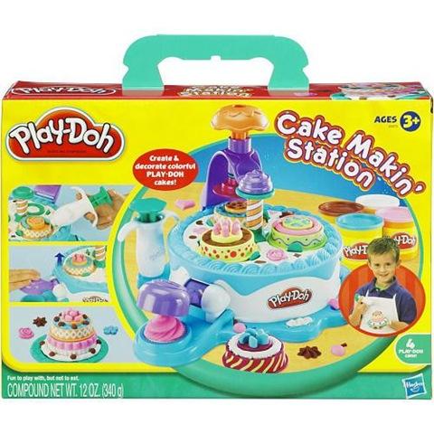 ... de tartas de juguete y luego utilizar la estación de decoración para