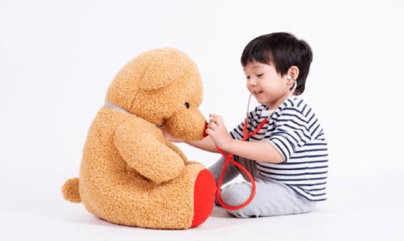 ¿A qué edad se empieza a jugar con muñecas? 1