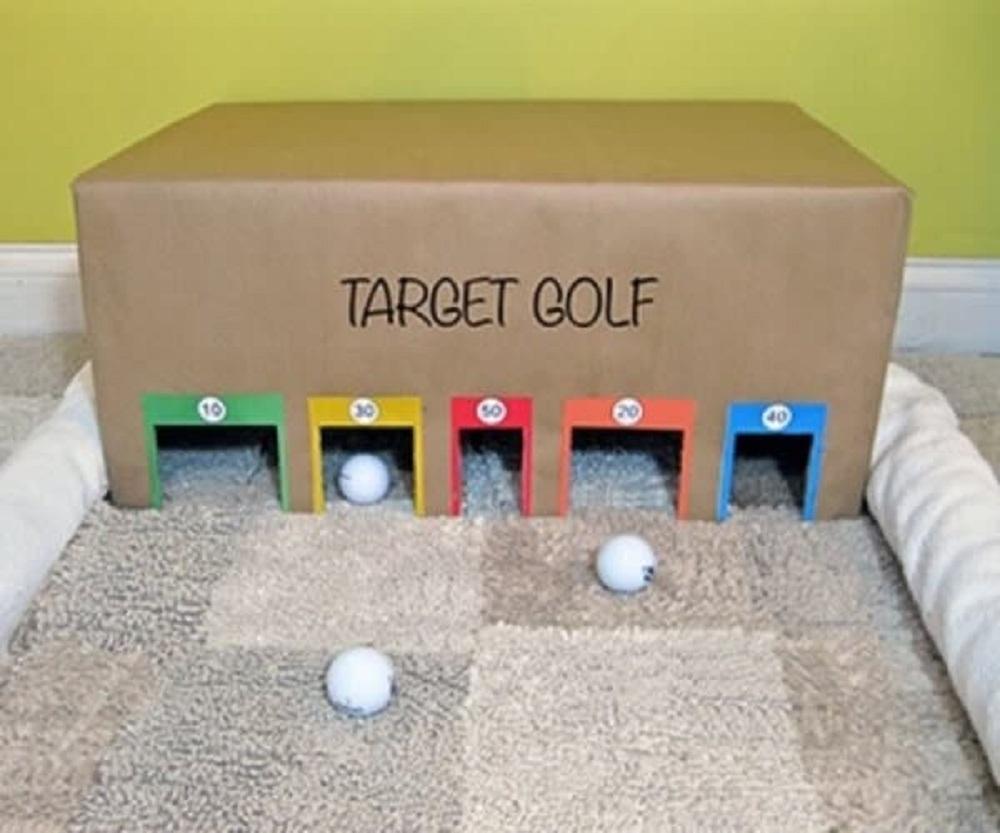 Juguetes hechos con cajas de cartón