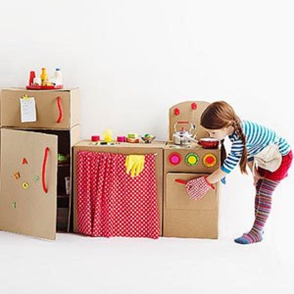 juguetes hechos con cartón