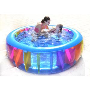 Una piscina en casa para todos juguetes for Juguetes de piscina
