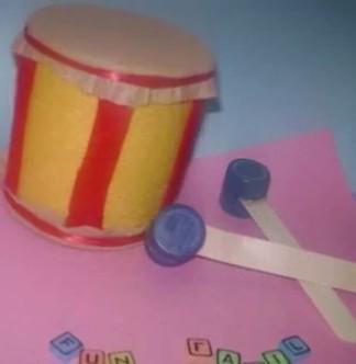 tambor de juguete reciclado